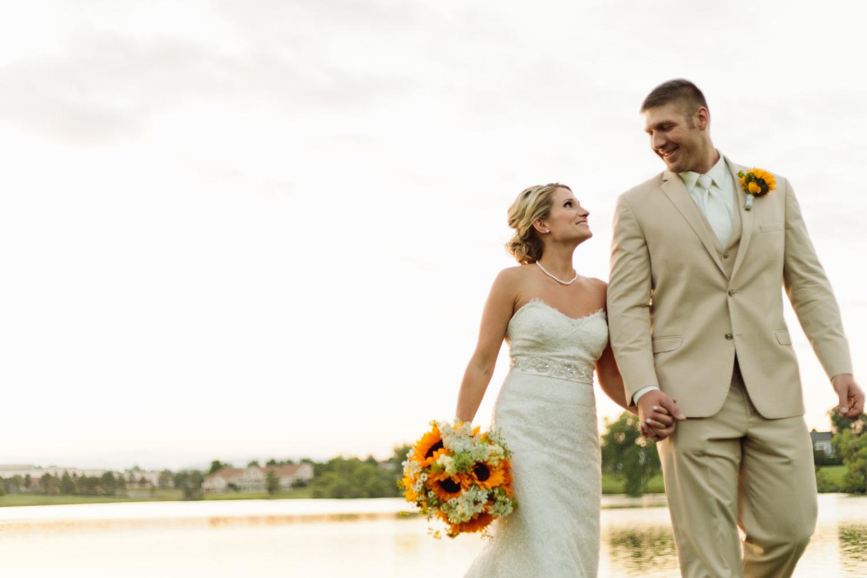 barn-at-raccoon-creek-wedding-photographer-044.jpg
