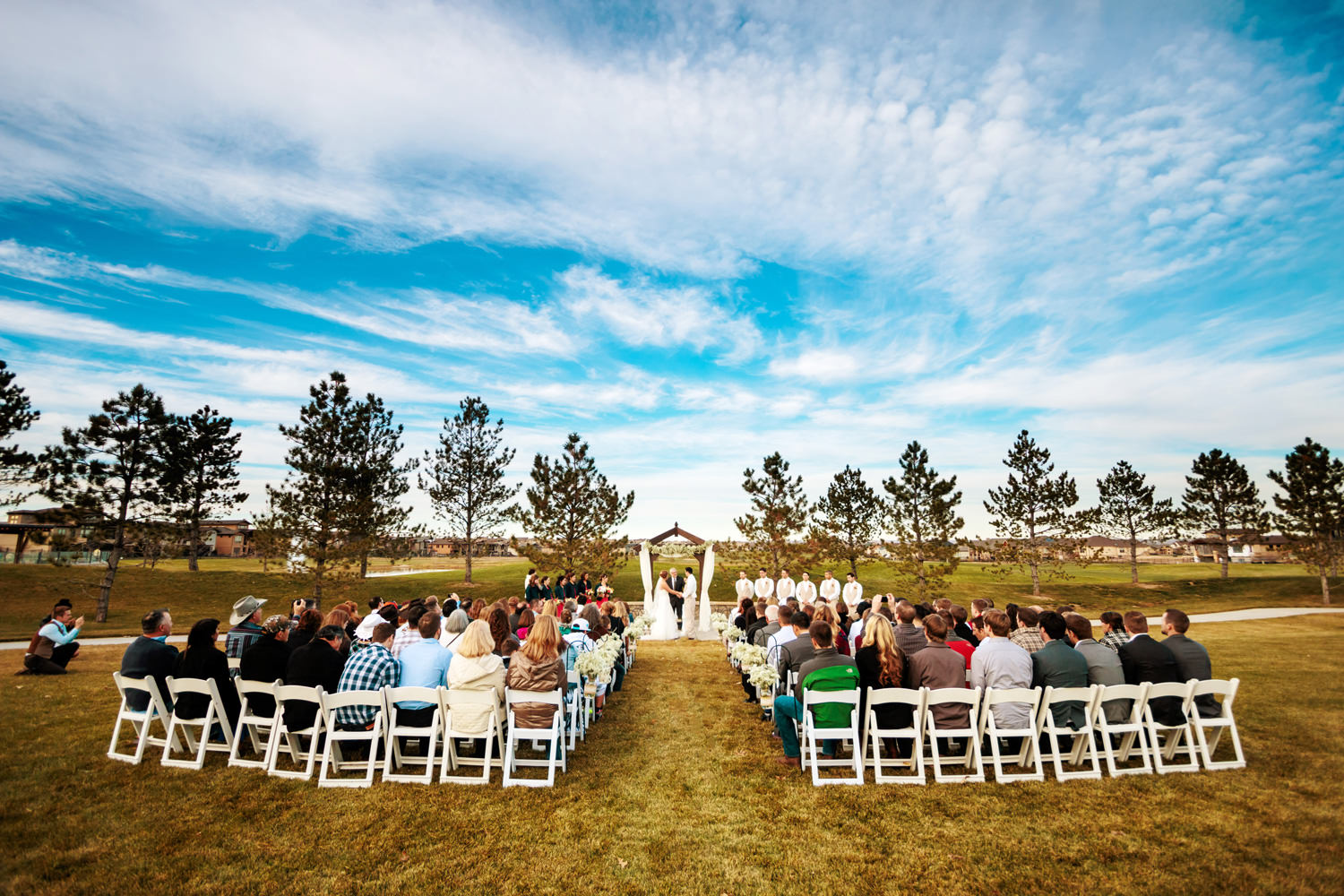 big-red-barn-highland-meadows-wedding-golfcourse-windsor005.jpg