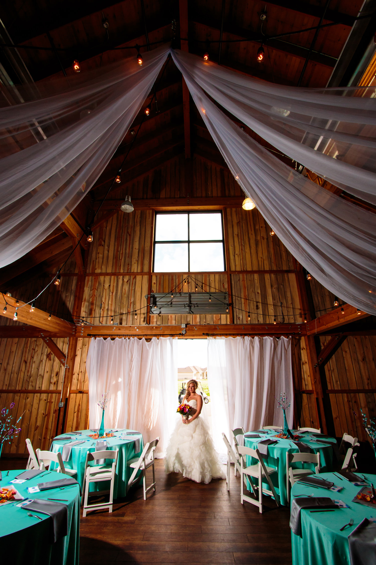 big-red-barn-highland-meadows-wedding-golfcourse-windsor038.jpg