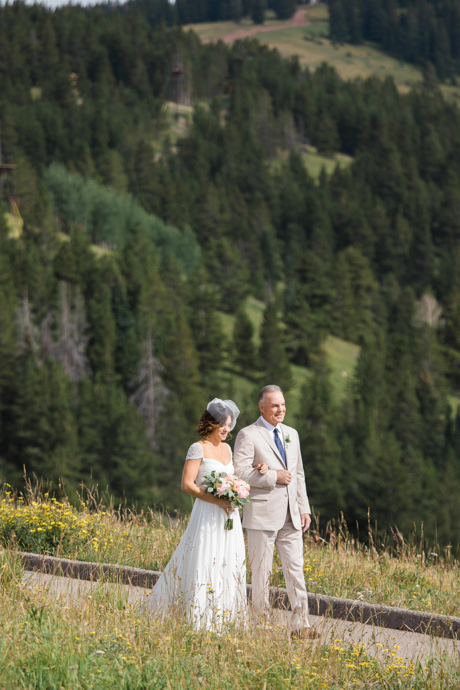 vail-four-seasons-wedding-photographer-tomKphoto-015.jpg