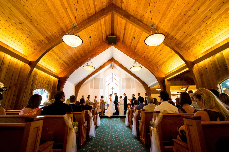 vail-interfaith-chapel-wedding-photographer-tomKphoto-046.jpg