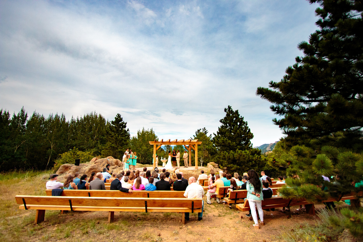 taharaa-mountain-lodge-wedding-estes-park-tomKphoto-139.jpg