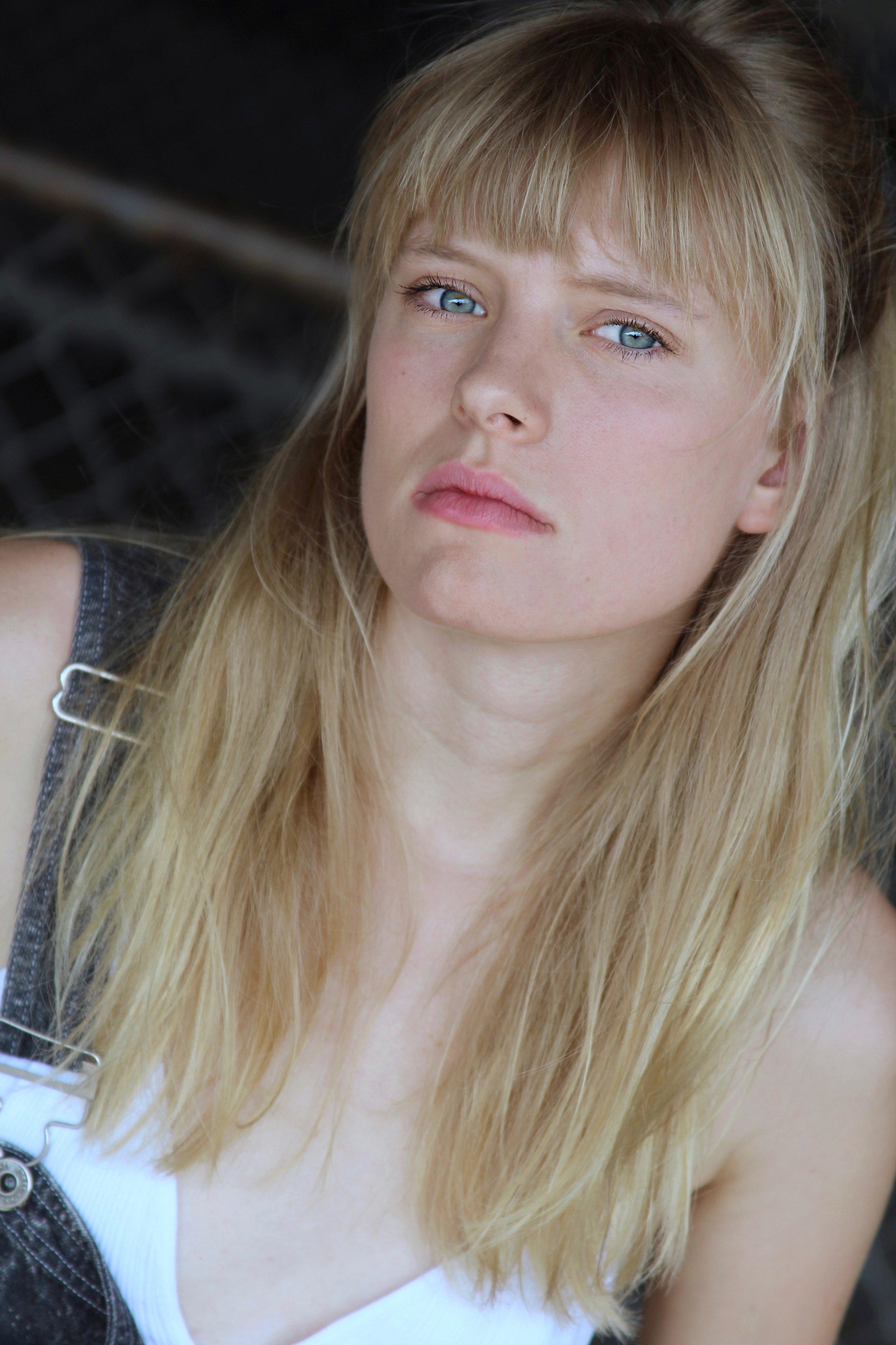 Sarah Durn Headshot - Bring it Look.jpg