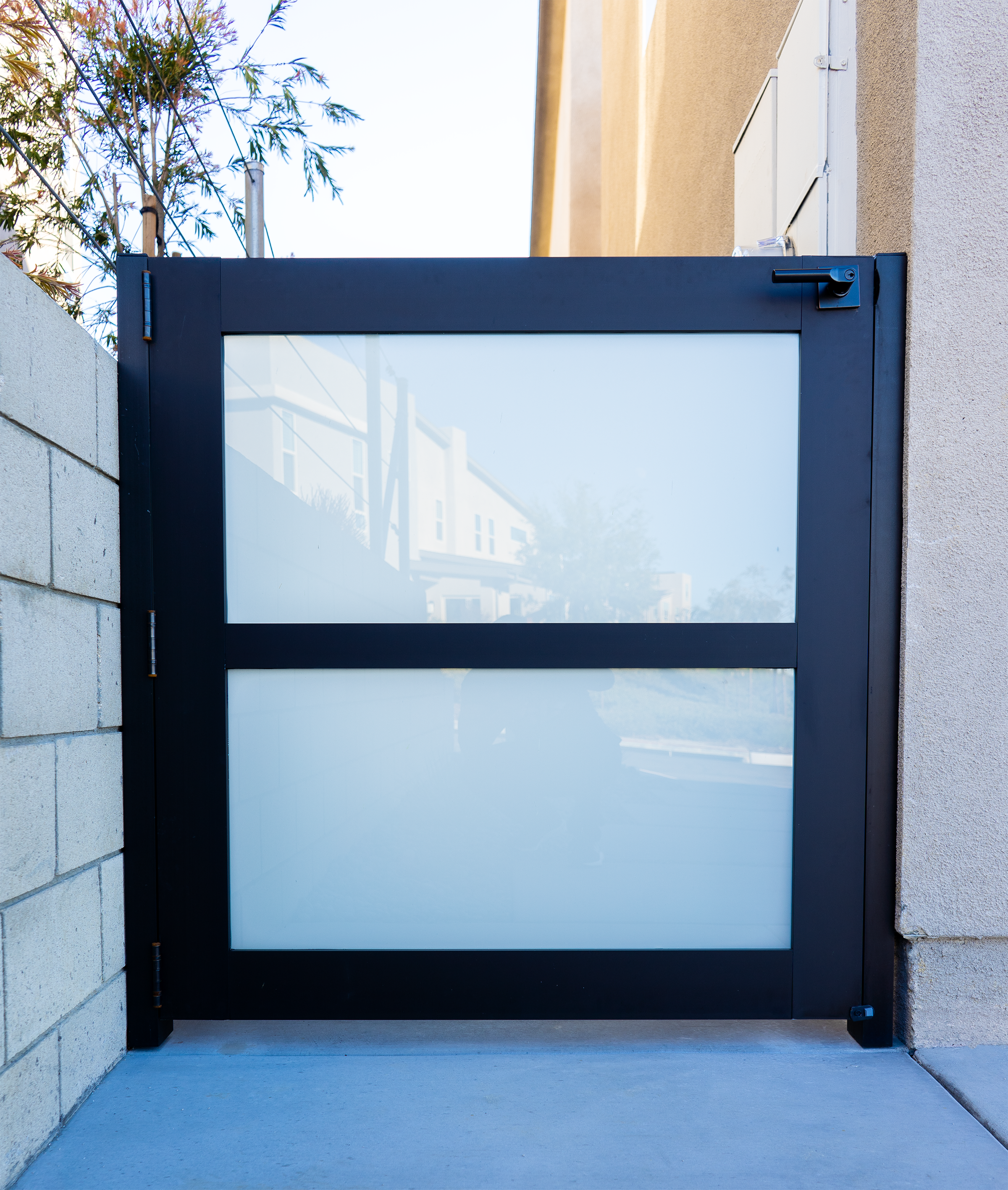 gate glass 1.png