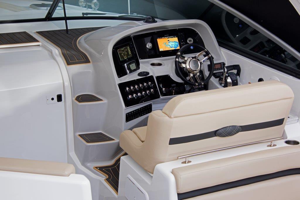 EX370_Cockpit2.jpg