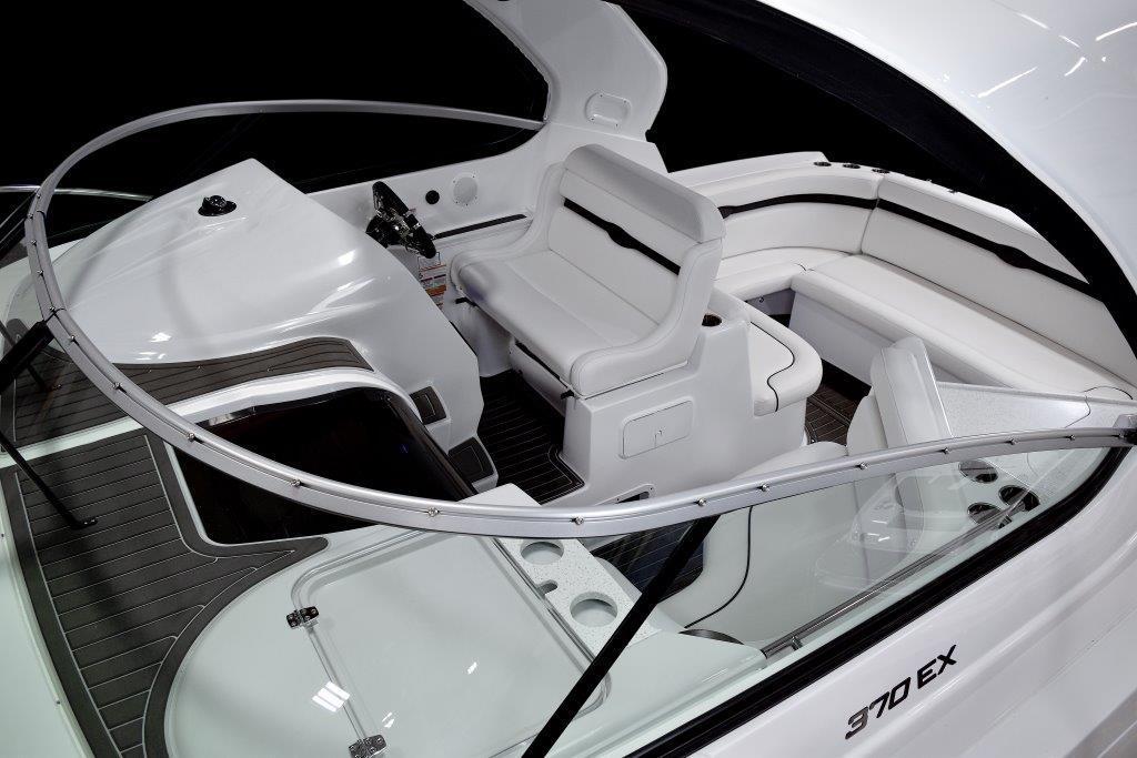 EX370_Cockpit3.jpg