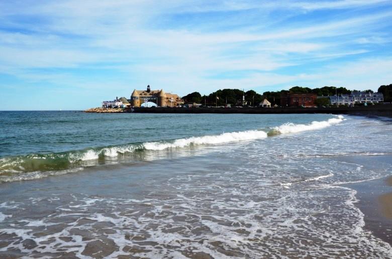 narragansett-ri-town-beach-780x516.jpg