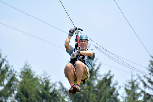 <strong>Ziplines</strong>