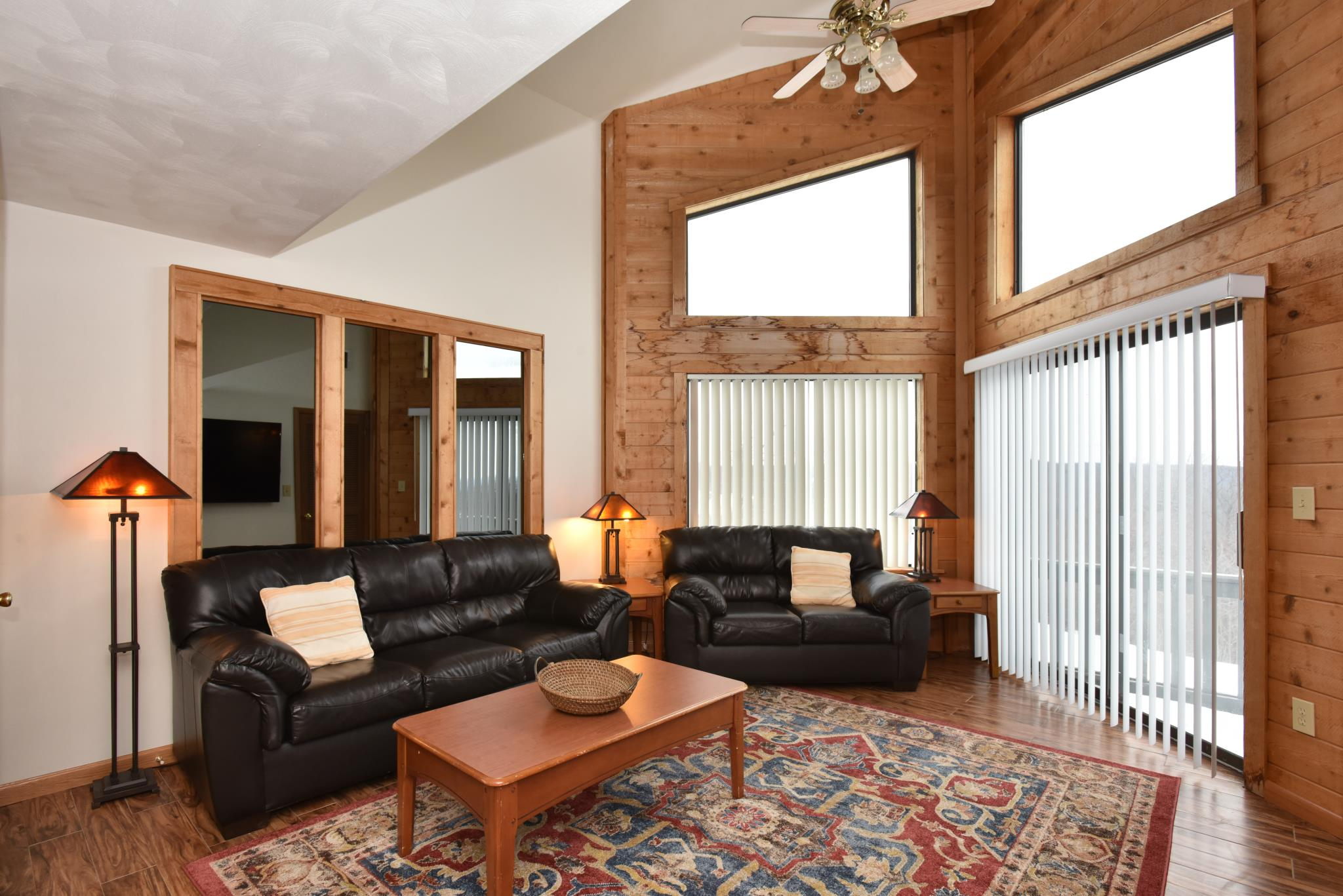 Reserve the perfect condo for your family - We've handpicked beautiful, spacious condos for our guests among several complexes on the mountaintop.Planning is the first part of this incredible vacation. Enjoy!