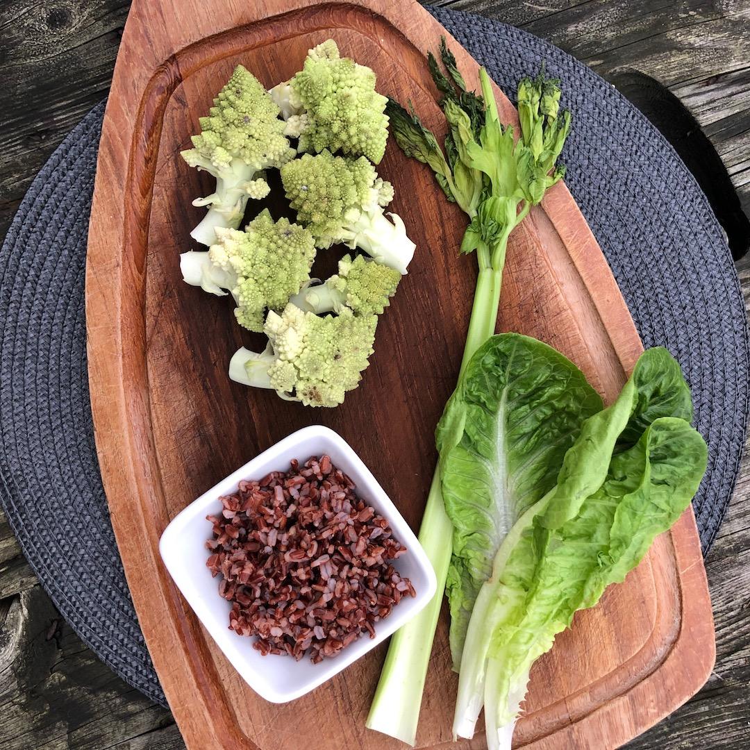 Aipo - Brócolis - Arroz Integral - Salada De Folhas