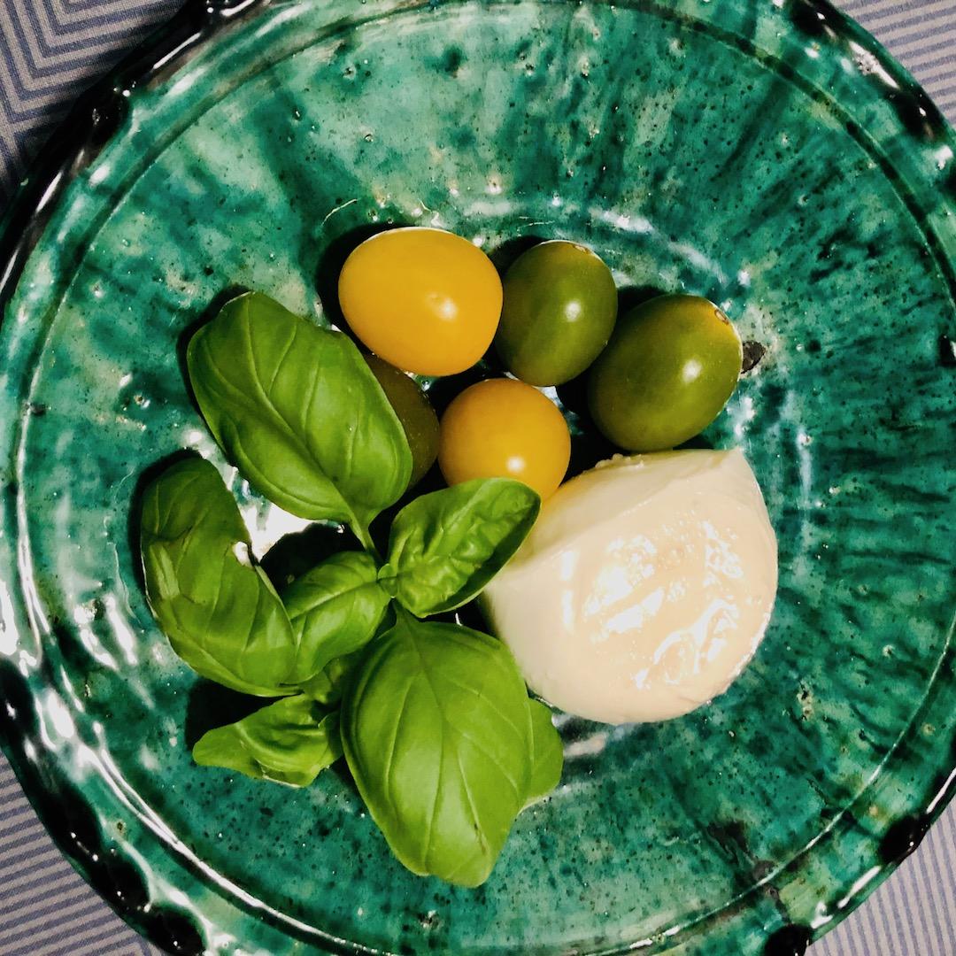 Mussarela - Manjericão - Tomate