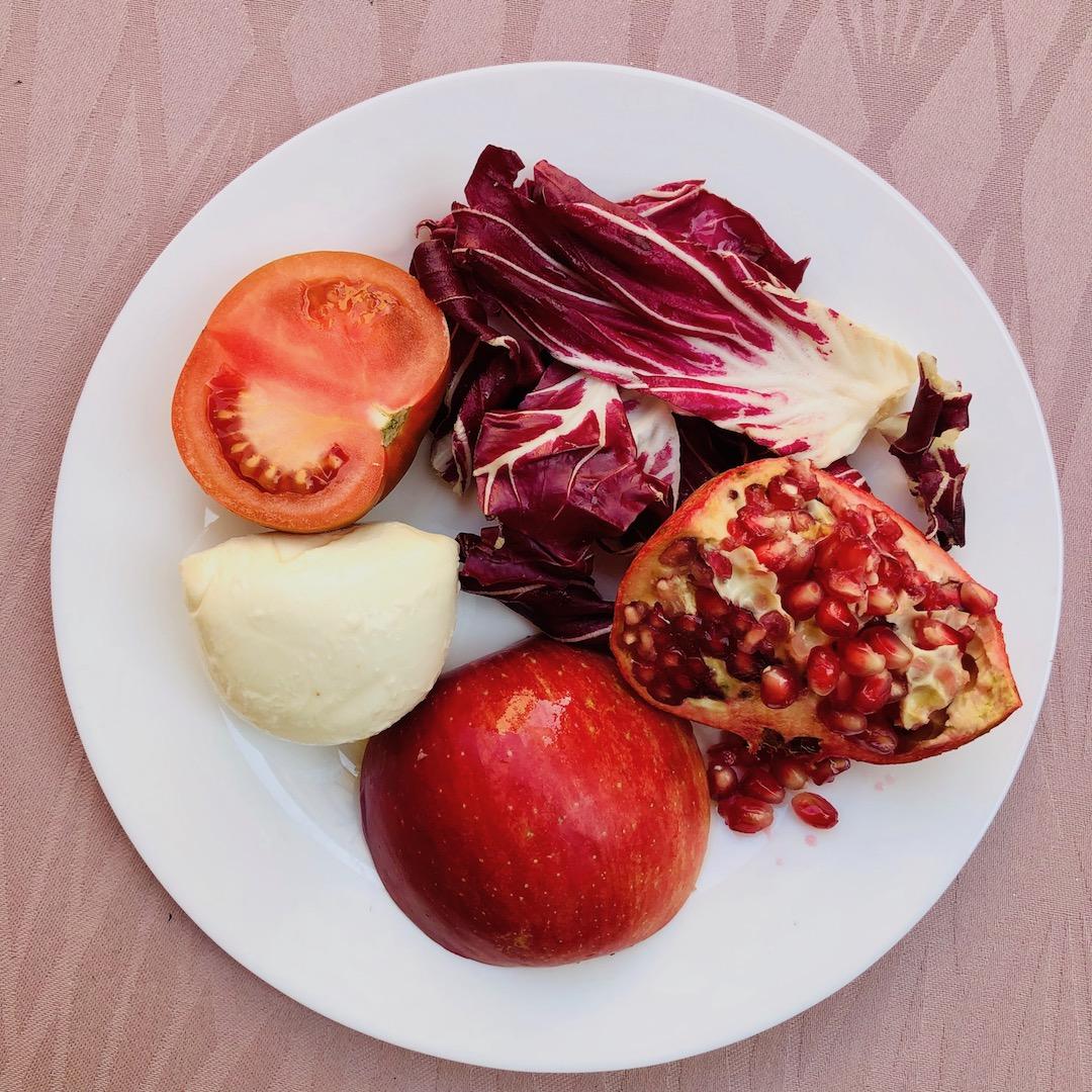 Radicchio - Romã - Tomate - Mussarela - Maçã