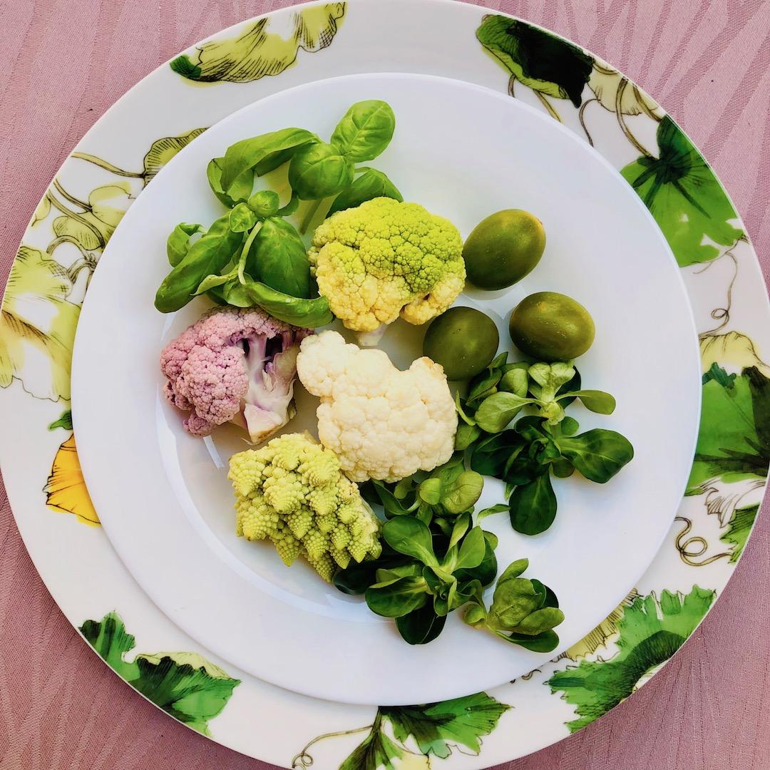 Manjericão - Brócolis - Tomate - Salada