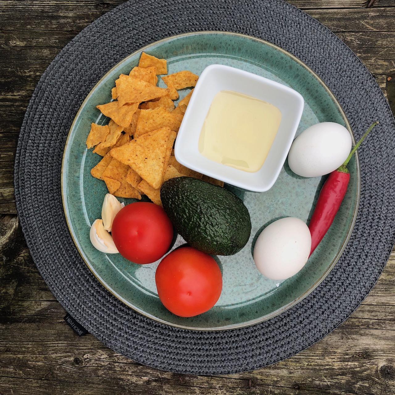 Ovos - Nachos - Alho - Tomate - Abacate - Pimentão vermelho - Xarope