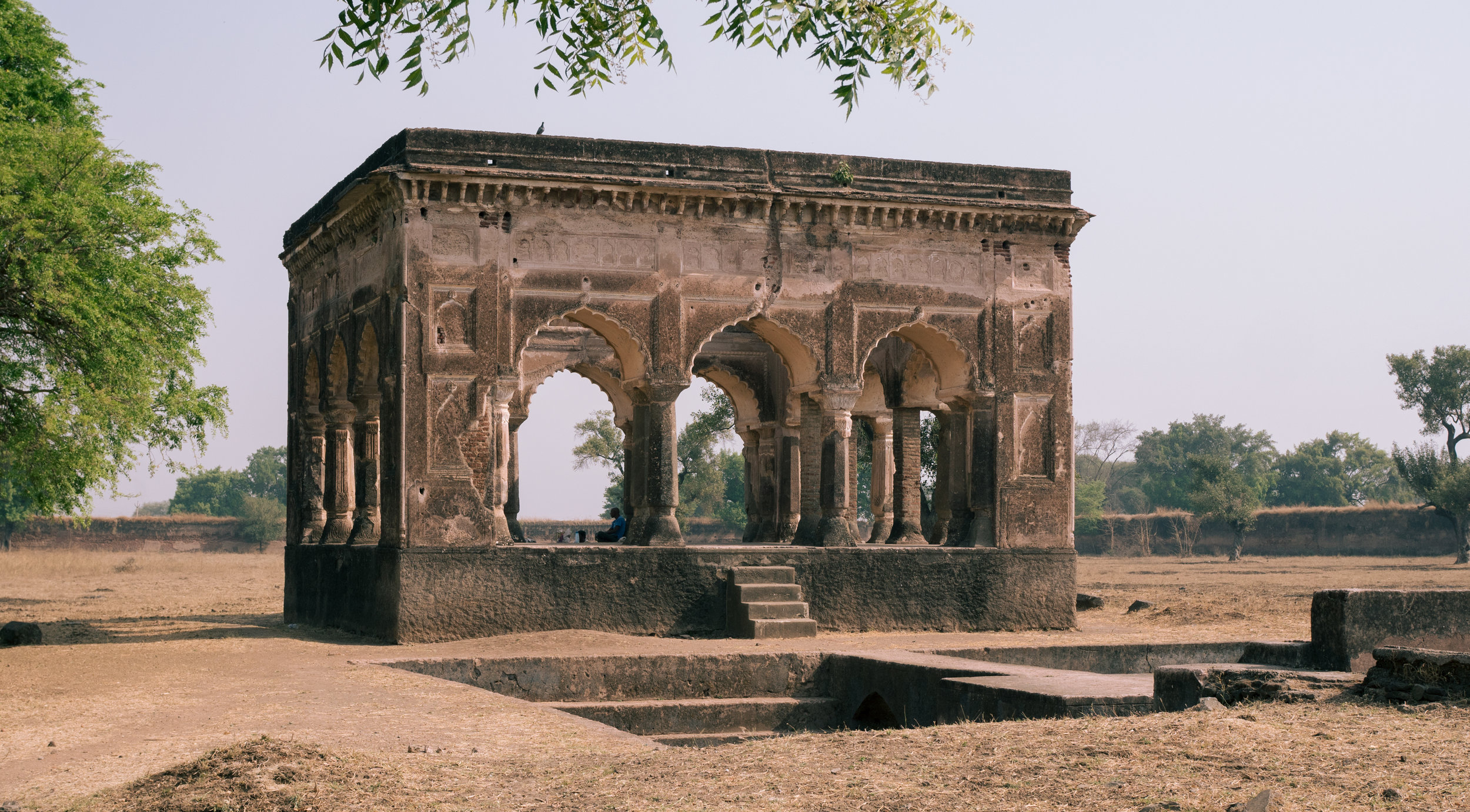 The body of Mumtaz Mahal was laid to rest here for six months before it was transported to Agra and eventually buried at the Taj Mahal.