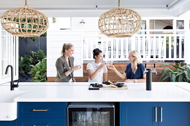Weekend... commence! Friday happy hour with our wonderful client in #thecabanaproject - what could be better?! Cheers 🥂. . . 📷 @simonwhitbreadphoto  Design and styling @heliconia.com.au Build @brehar_building . #kitchen #kitchendesign #bluecabinetry #blueandbrass #dreamhome #coastalhome #coastalstyle #coastalinteriors #garageconversion #grannyflat #cabana #backyard #happyhour #homedesign #interiordesigner #bardesign #hamptons