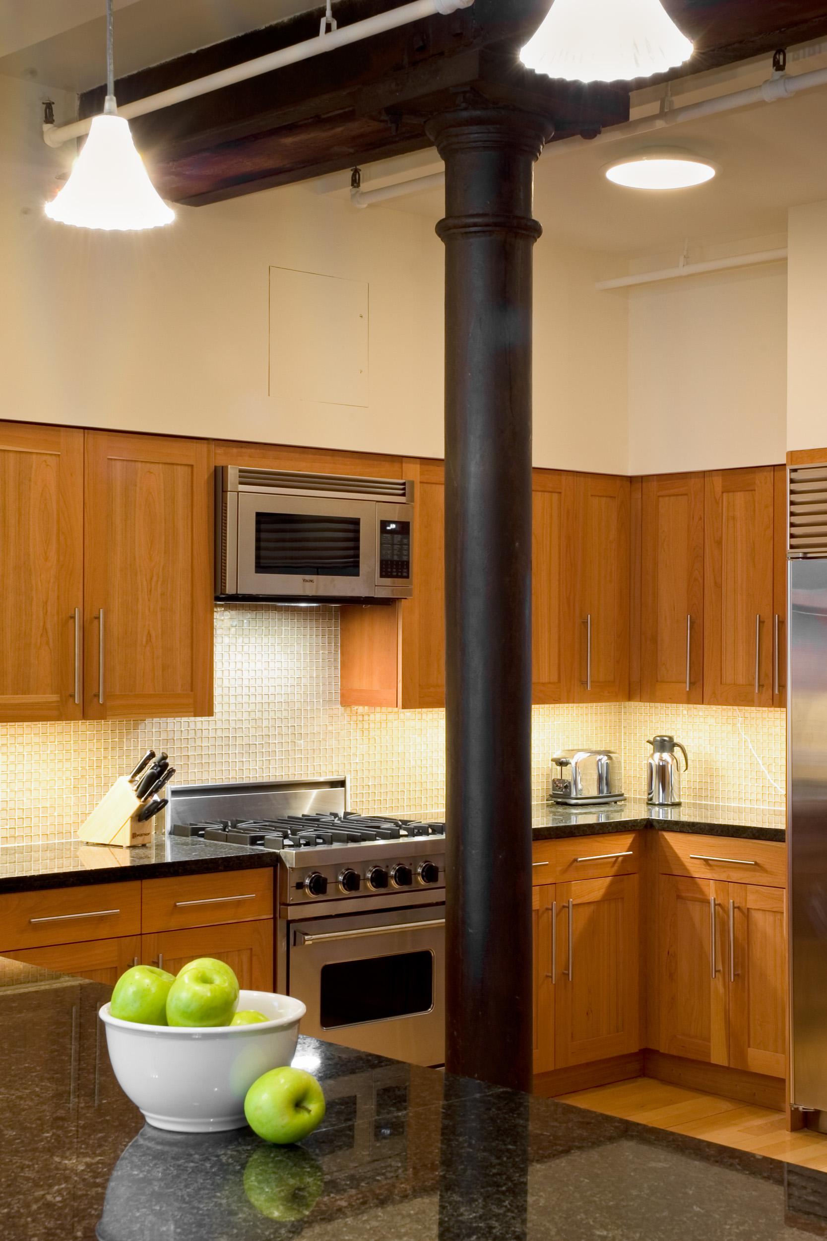 Apt2 Kitchen 1.jpg