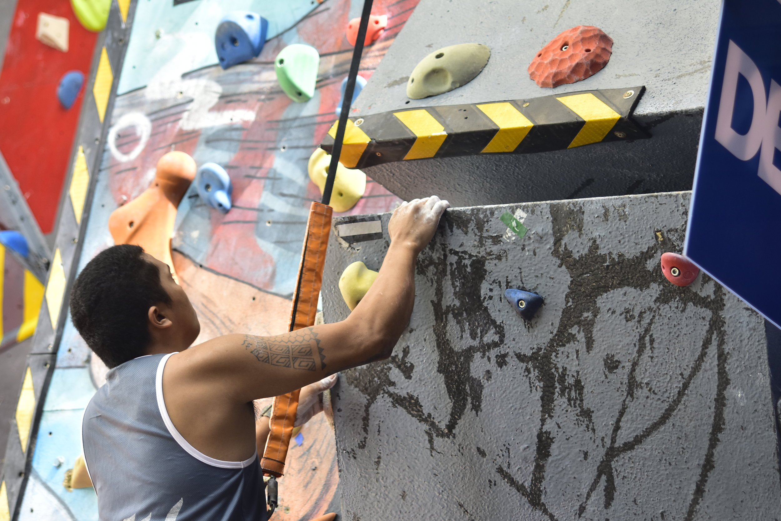 Trainer Jun Vidal is trying out the CAMP Chalk at Push Climbing