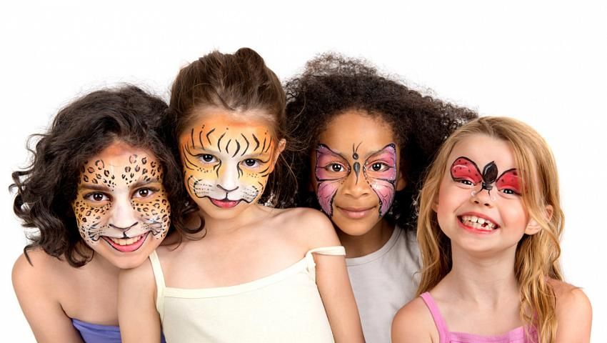 FACE PAINTING - You don't have costume? not a problem! Our painter charm your kid in any magic creature they want!Superheroes, fairy, princess, tiger, zomby? Limit is only your imagination!
