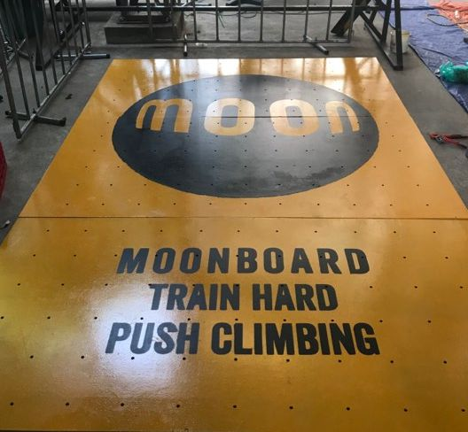 MoonPush