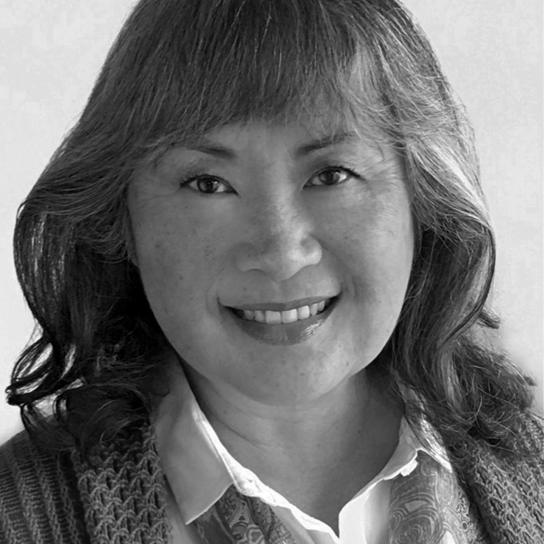 Annie Tezuka    Ella Senior