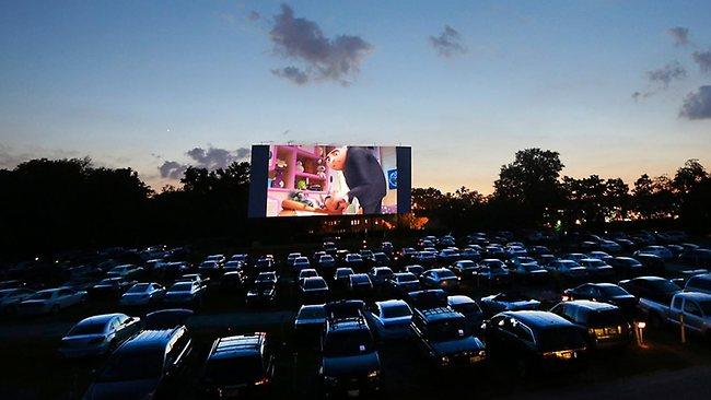Drive-In-Cinema-.jpg