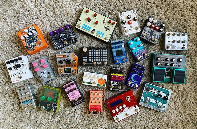 A few of my favourite things 💙 . . . #gearnerds #notpedalbored #pedalgram #gearybusey #guitarpedals #knowyourtone #girlswholovegear #houseofpedals #pedals #ambientguitar #pedalsandeffects #pedalboards #guitarfx #gearwire #soundscape #dronemusic #buildingcastlesoutofmatchsticks