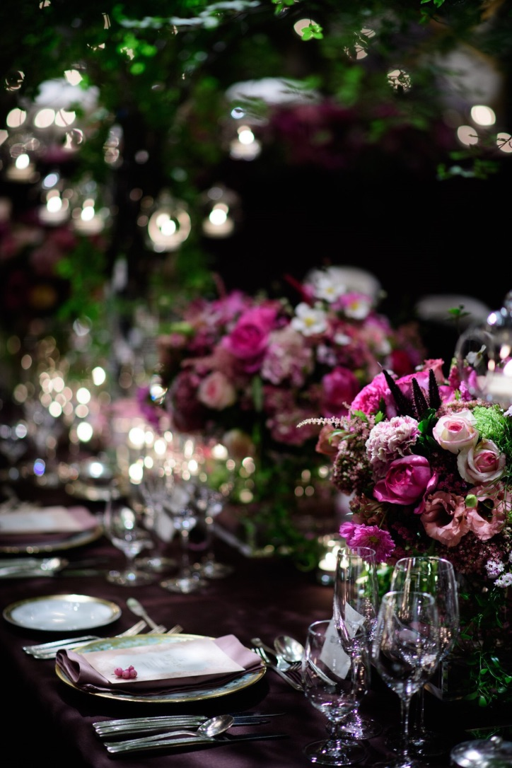 Beautiful flower bouquets with table setting. Photo by Takeo Akama (unison)