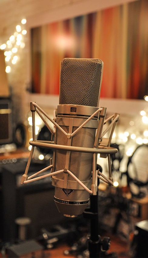 Neumann U87 – vintage West German