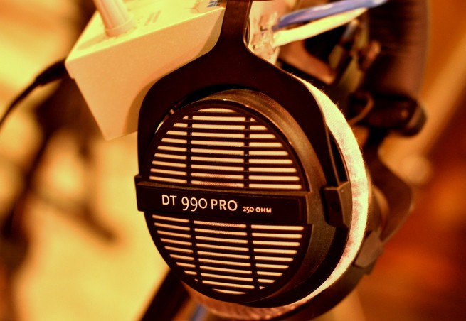 990 Headphones