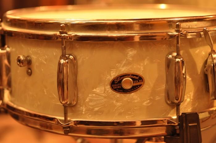 Slingerland 5 x 14 White Oyster Wood Snare Vintage