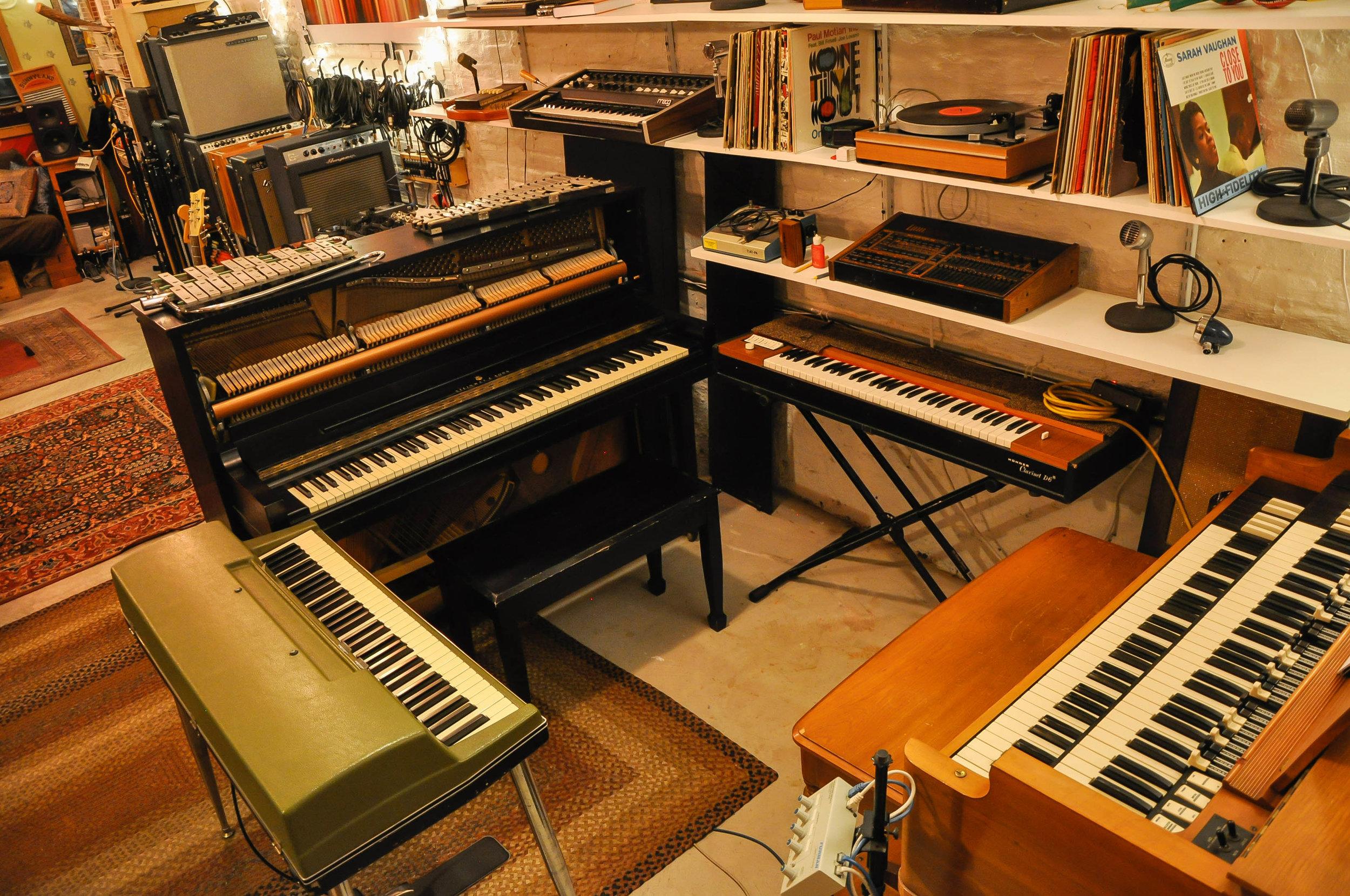 Keyboard-World.jpg