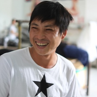 This is Hot Chili. The staff behind the name. Phuc has worked here 12 years. There is nothing Hot Chili would not do for him and his two boys.  Our staff love their jobs. . . . #beststaff #vietnam #fashion #screenprinting #hoian #danang #ethicalshopping #realbusiness #nobiglabel #respect #gratitude #realpeople #thankyouall #faretrade
