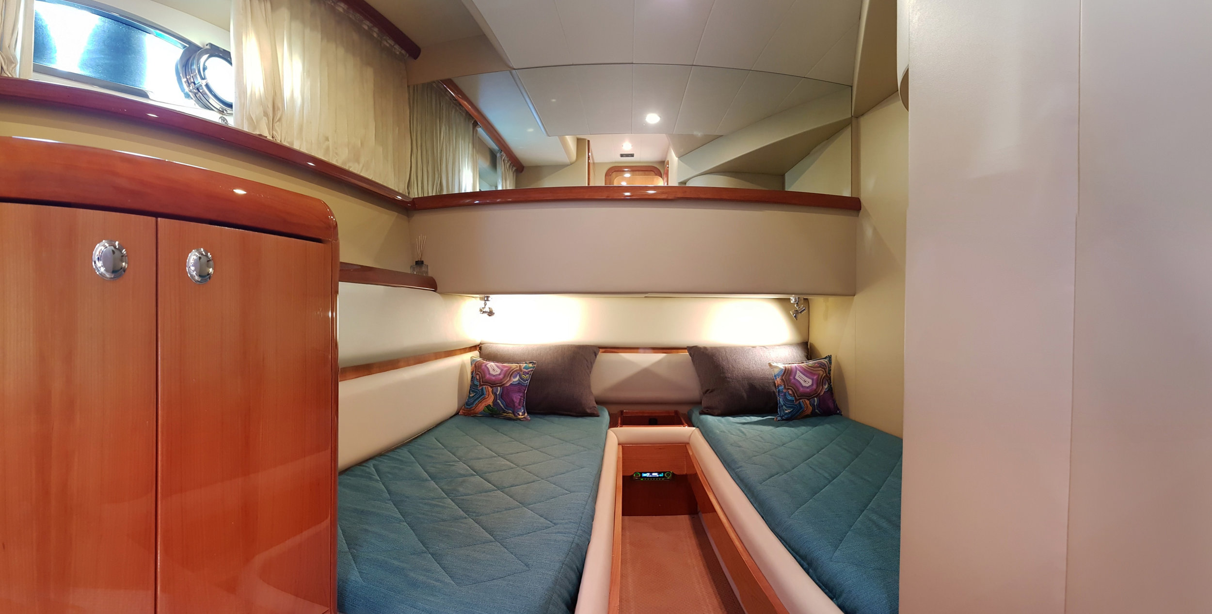 Fer59_Guest_cabin_convertibletoqueenbed.jpg