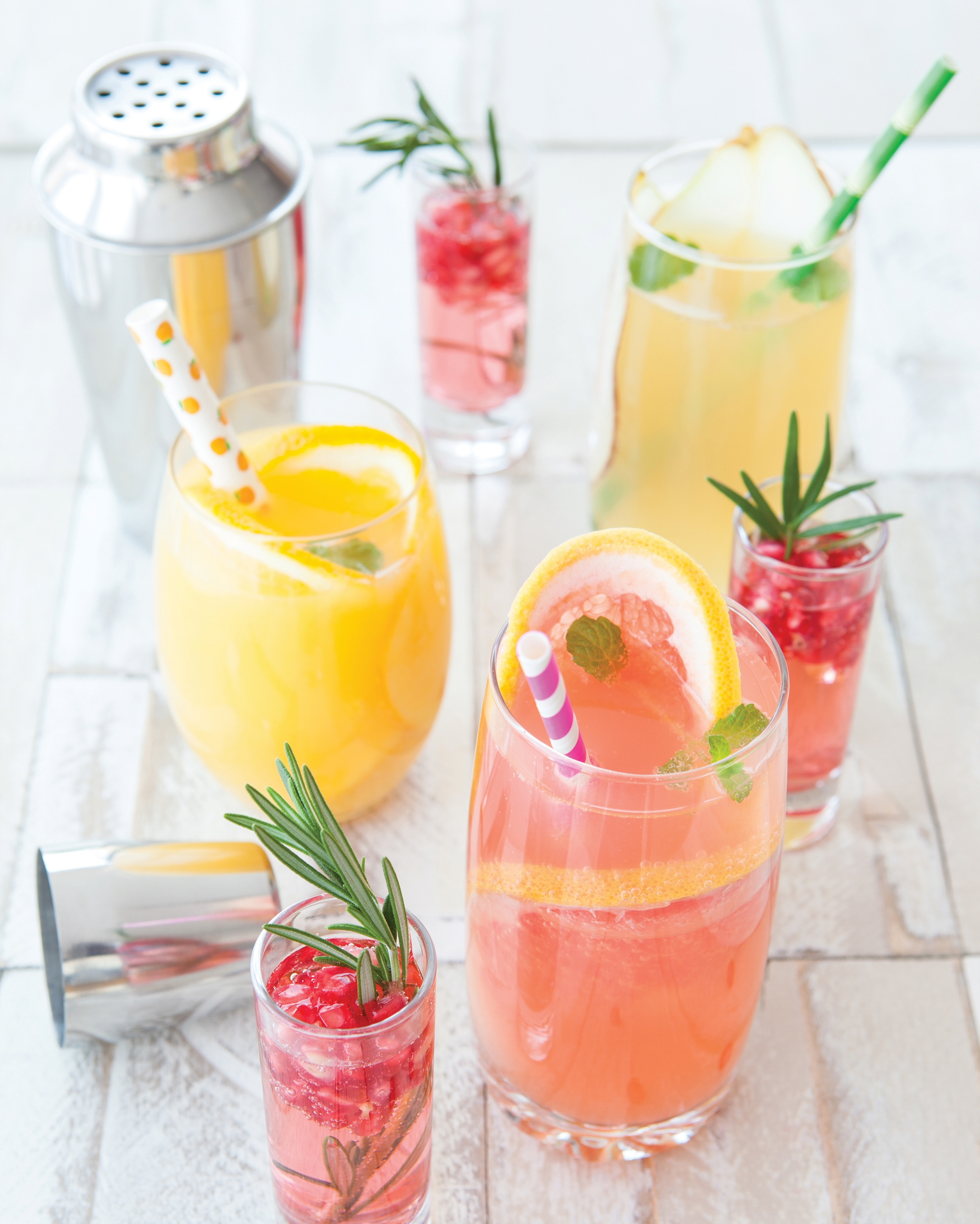 bubbly-cocktails-summer-drinks-your-home-magazine.jpg