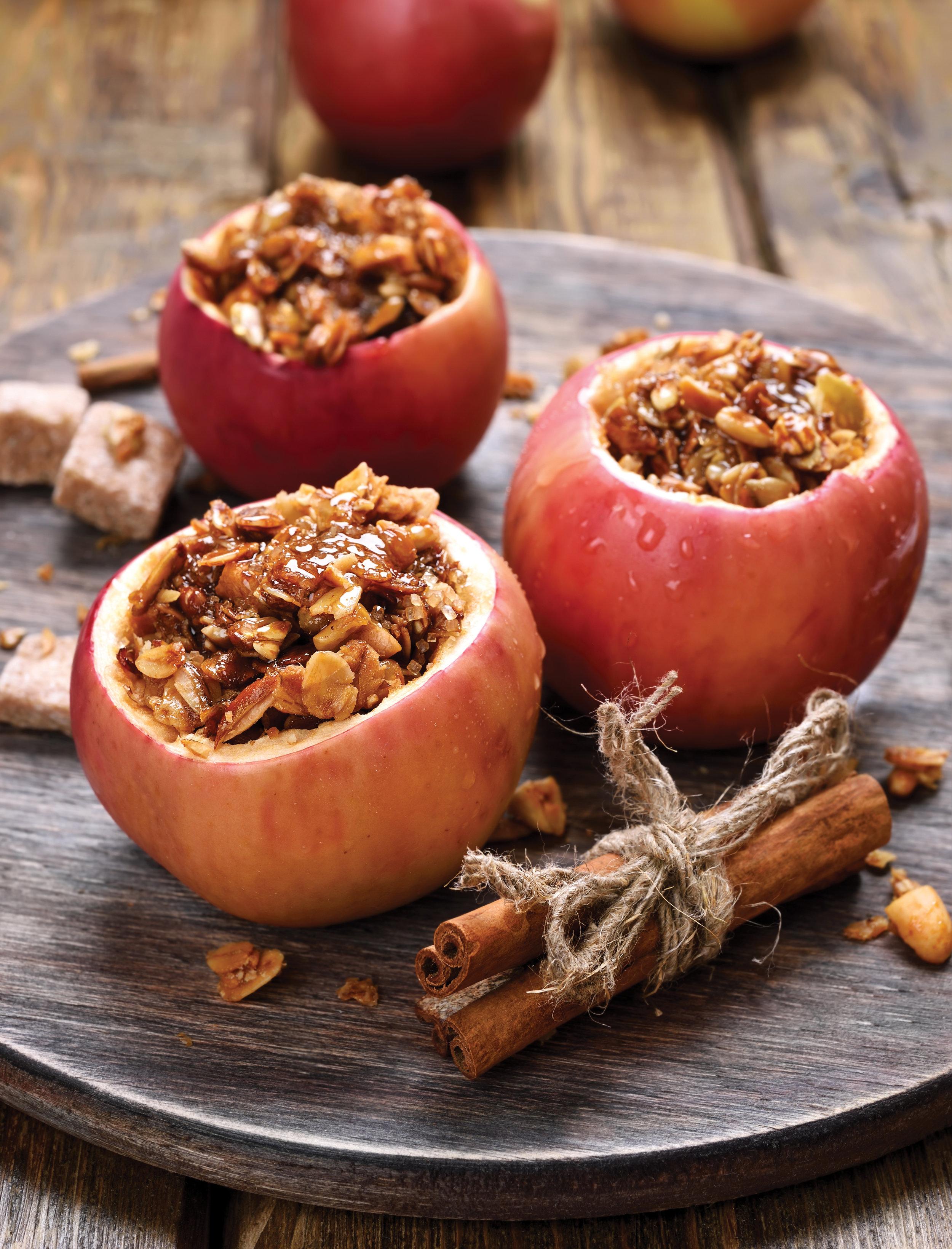 apples-stuffed-with-granola.jpg