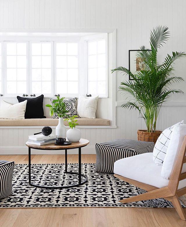 Today's vibes via @villastyling ✨🌿🙌🏼 . . . . #yhmagazine #yourhome #magazine #swfl #florida #fla #livingroom #stylishliving #inspiration #design #lifestyle #furniture #decor #interiordesign #homedesign #designer #plants #houseplants #modern #ecclectic
