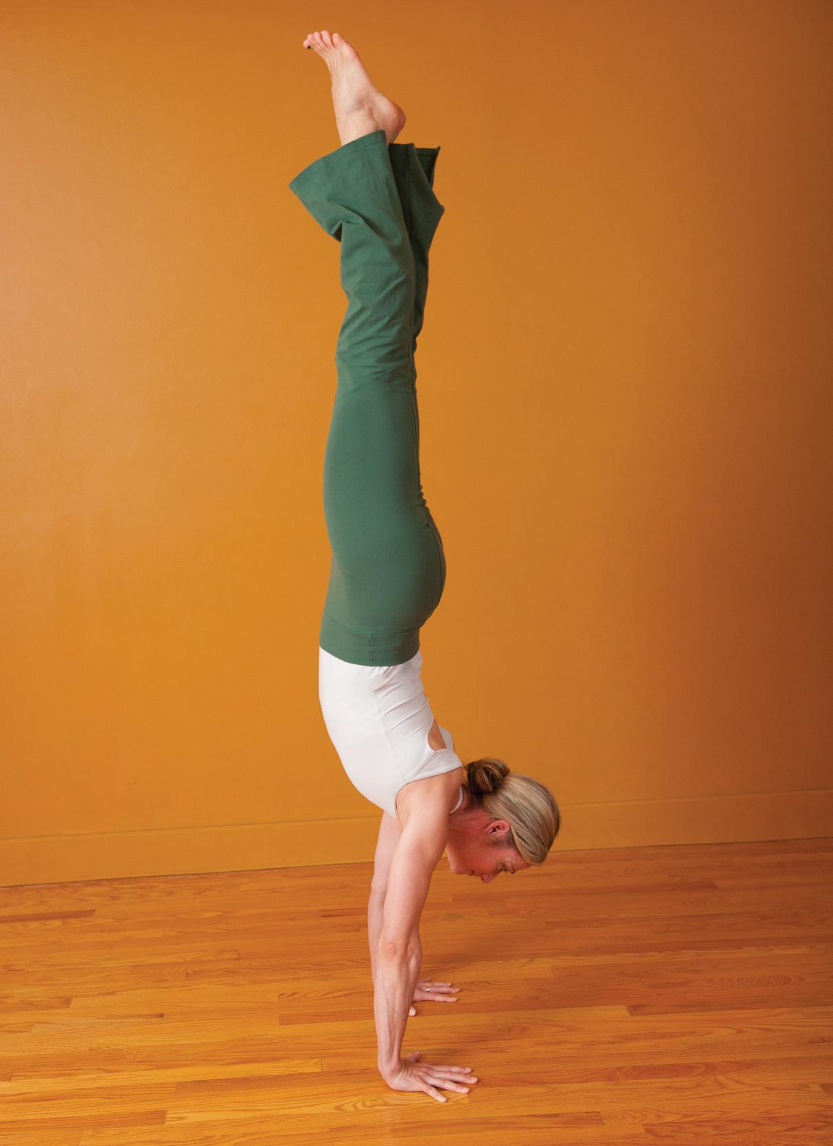 Nicole handstand.jpg