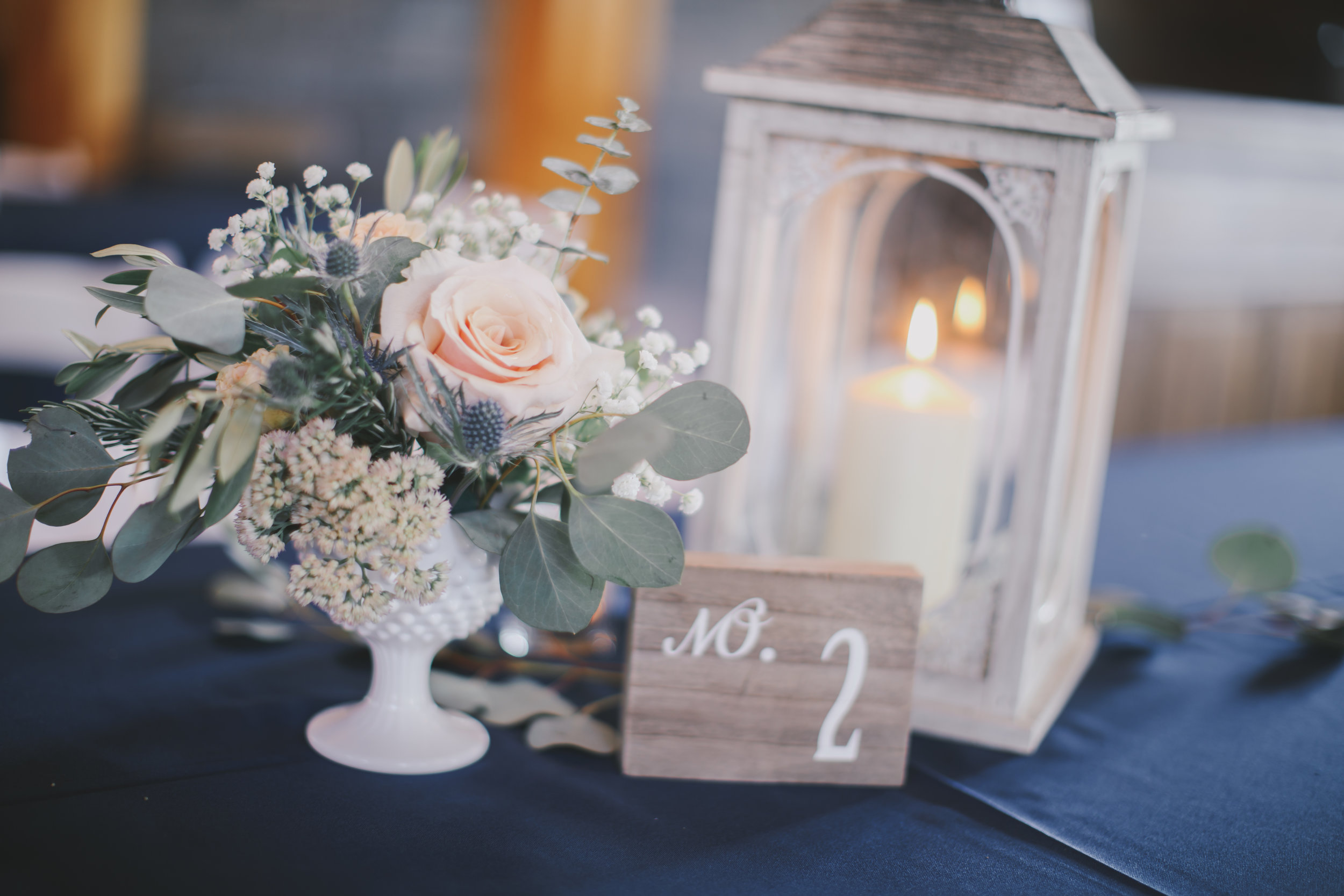 She does more that just bouquets. Check at these table florals! pc: Katelyn King Photography