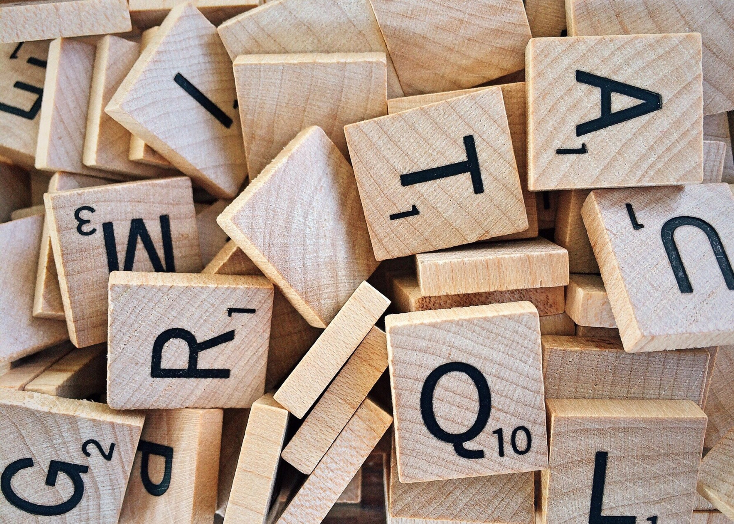 alphabet-board-game-box-278890.jpg
