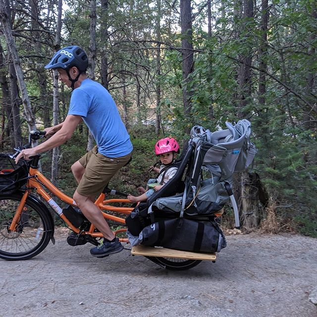 What's the best way to access hiking trails? Loading up the e-cargo bike with baby, baby carrier, picnic and toys! #ebike #carfree #yubabikes #familyfun