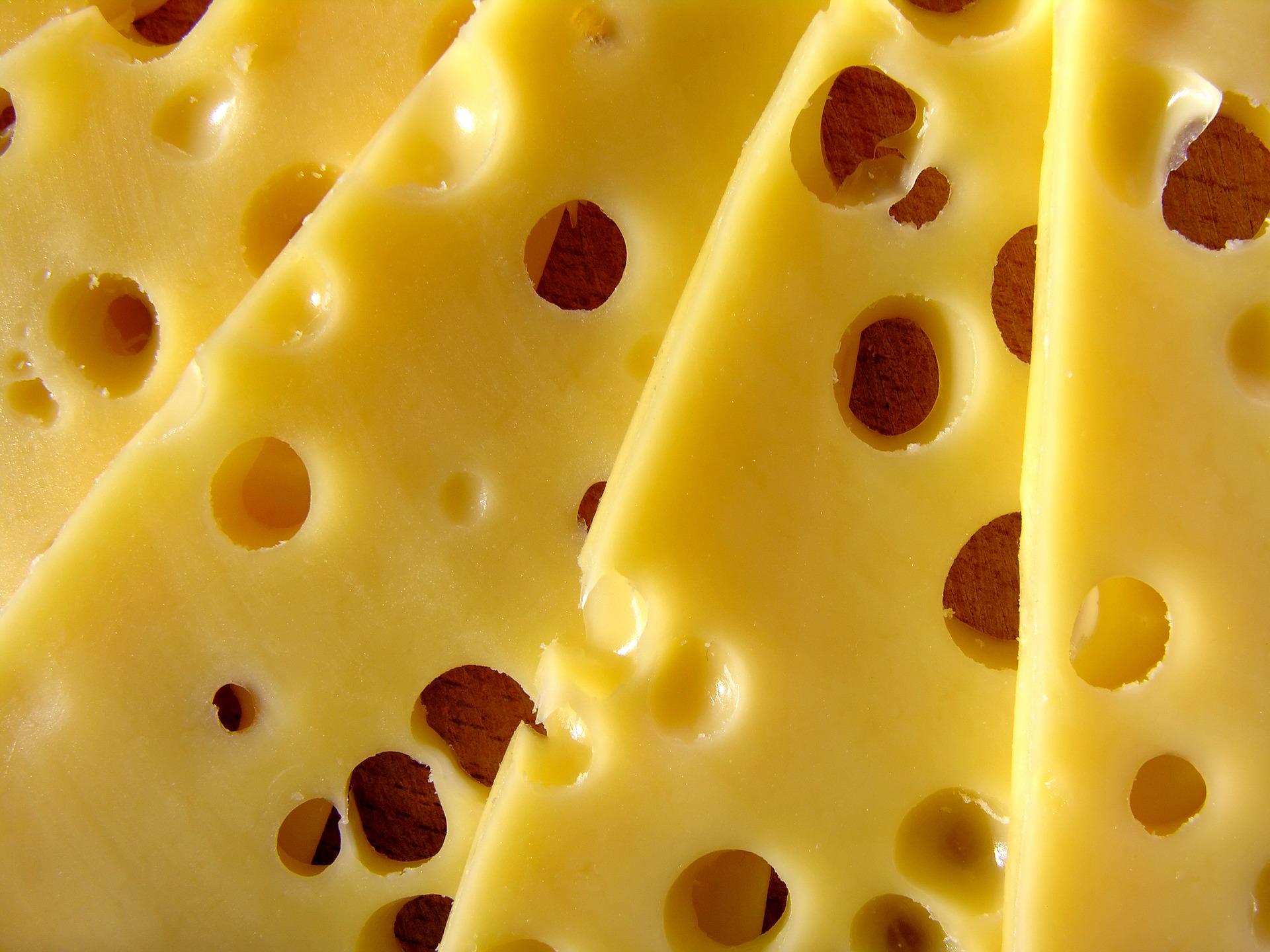 cheese-1972744_1920.jpg