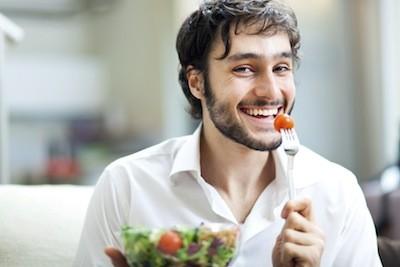 man_eating_salad.jpg