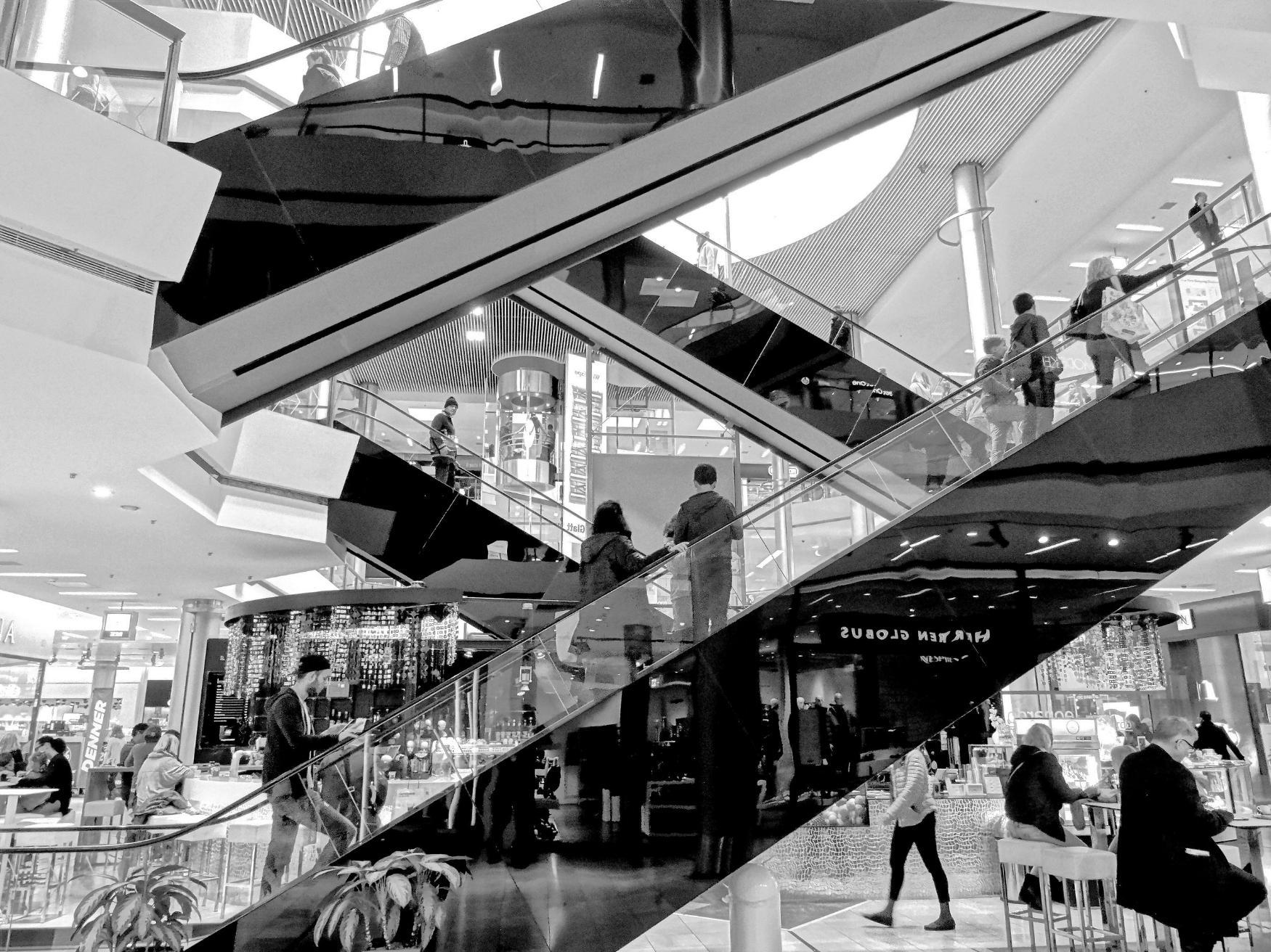 Shopping_Mall_Escalator