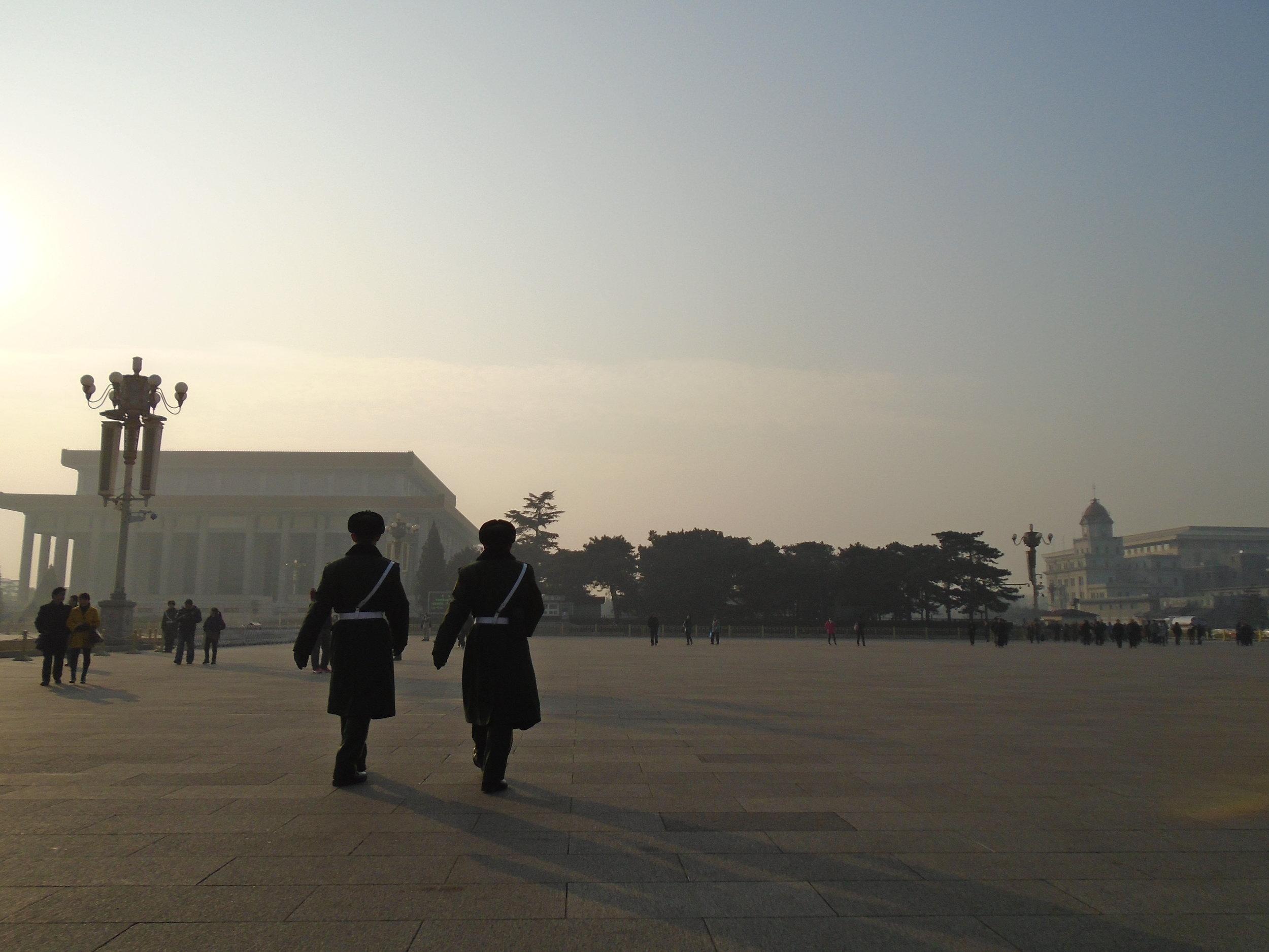 Guards_in_Tiananmen_Square.jpg