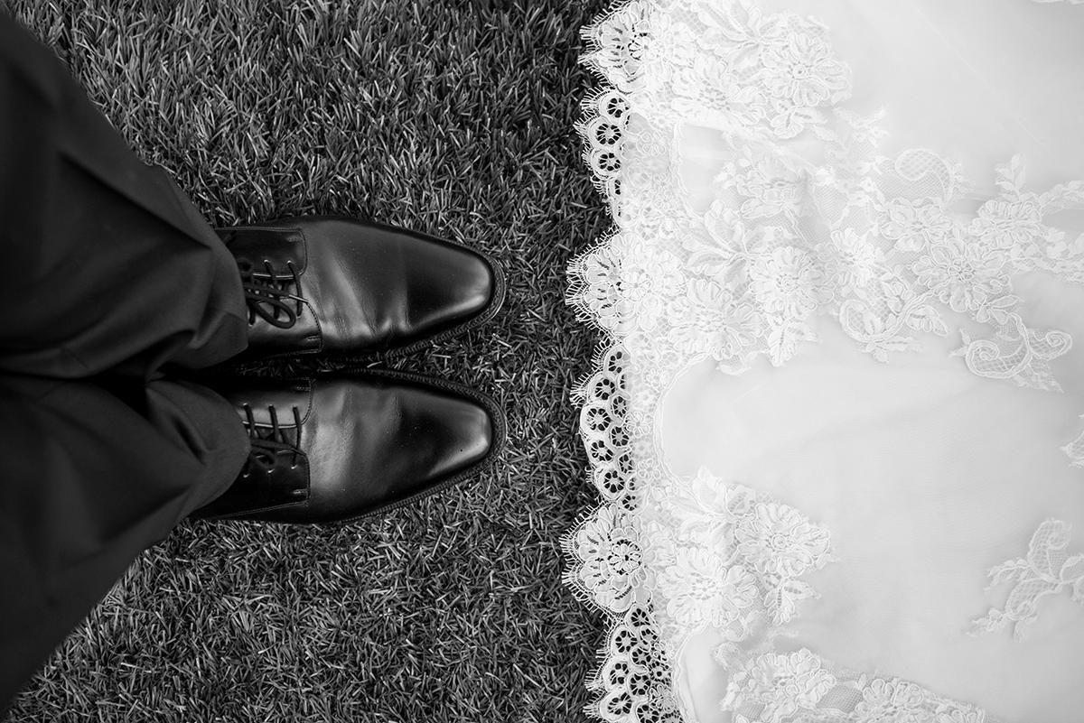 feet-bw.png