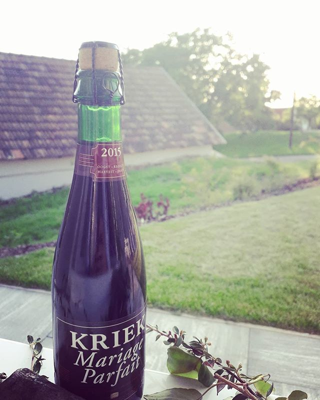Gutes Bier 🍺 passt immer! Zum Beispiel als geschmacksvolles Hochzeitsgeschenk 👰🤵 . . . #beerlover #marriage #love #present #kriek #beer #sommelier #bieristmehr #derbruderheiratet
