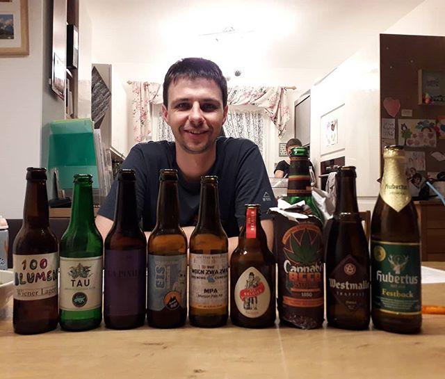 🍻 Gutes Bier passt immer 🍻 Zum Beispiel als Überraschungsverkostung zum ⚂⚂er! Feiner Abend, leiwande Leute und viel gutes Bier 🤗🤤🎉 . . . .  #beer #tasting #spontan #überraschung @100blumenbier @bierkulturhaus @der_belgier_brewing @brewage @westmallebelgium