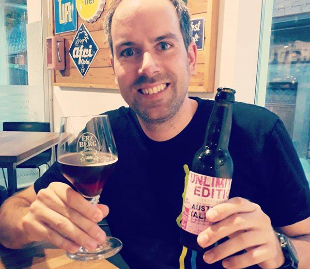 Zu Gast bei Reini Schenkermaier, seines Zeichens einer von weltweit nur einer Handvoll von ☝️ Masters of Beer ☝️(und Diplom-Biersommelier Kollege 😉). Ein stimmiger Abend mit ausgezeichneten Bieren vom #erzbergbräu, perfekt abgestimmtem Beer-Food-Pairing und netten 🍺Gesprächen mit dem Chef. . . . #masterofbeer #biersommelier #bieristmehr #bierreise #erzberg #biergespräche #beerfood #foodpairing #geschmacksexplosion