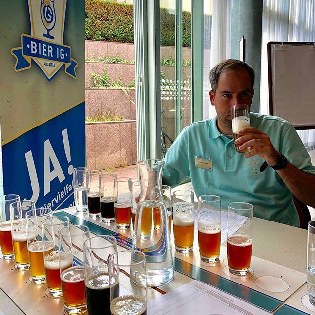 600 Biere, 2 Tage, unendliche Bierbegeisterung und Biervielfalt!  Das war die 🍻Austrian Beer Challenge 2019🍻. Und ich hatte das Glück, bei der Auswahl der besten österreichischen Biere als Juror mit dabei zu sein.😊 Danke an die BierIG für die perfekte Organisation 💪freu mich schon auf nächstes Jahr 😋  #ABC2019 #austrianbeerchallenge #beersommelier #beerchalenge #beerjudge #austrianbeer #austriancraftbeer #tasting #hardwork #lifegoals #feineleute #beerfreaks #besteshobby #casino #vielfalt #beerworld #bestbeer #beer #sommelier